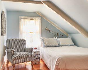 Room 9 Standard Full